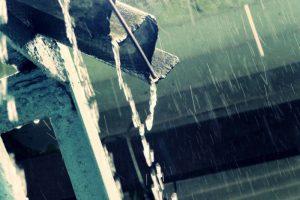 Consecuencias negativas de no tener instalados canalones en la vivienda